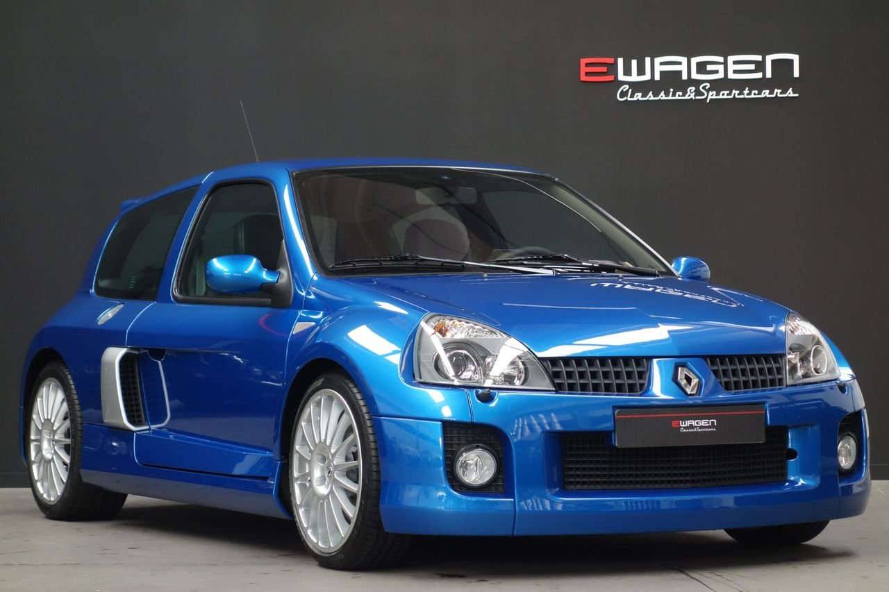 Renault Clio Sport V6 3.0 Phase II